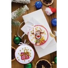 """Набір для вишивання бісером новорічної іграшки на натуральному художньому холсті """"Новорічний гість"""""""