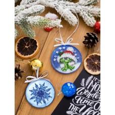 """Набір для вишивання бісером новорічної іграшки на натуральному художньому холсті """"Теплі обійми"""""""