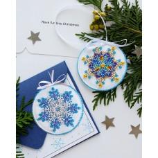 """Набір для вишивання бісером новорічної іграшки на натуральному художньому холсті """"Маленька сніжинка"""""""